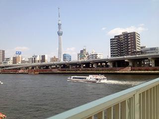 潮の香りが漂う隅田川