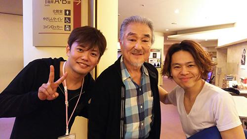 ウォーミングアップ中。中川晃教さん、藤岡正明さんと